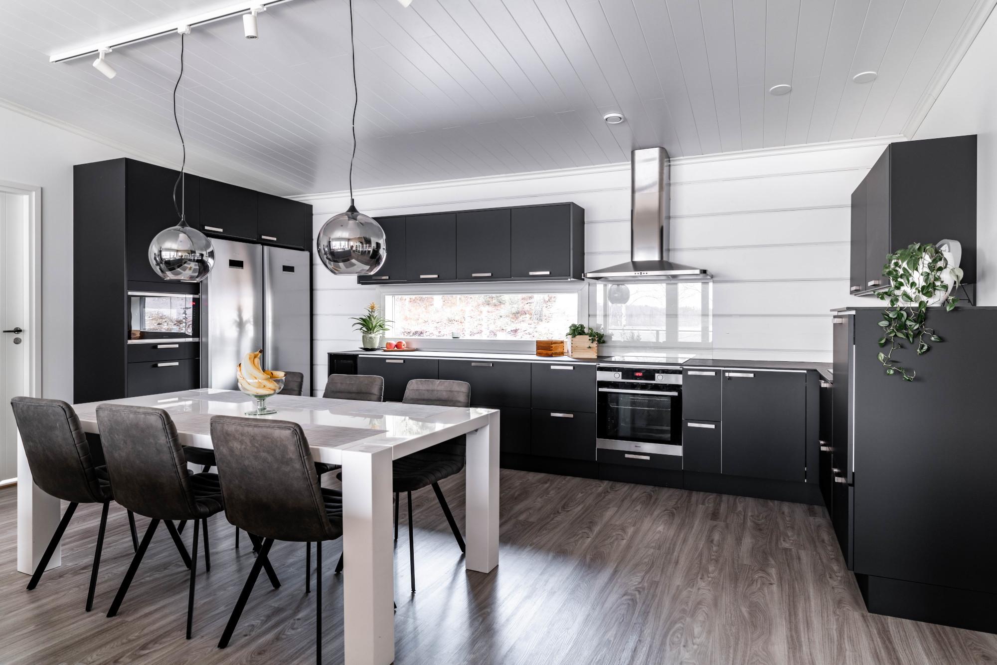 musta moderni keittiökalusteet savonlinna - mitta-keittiöt