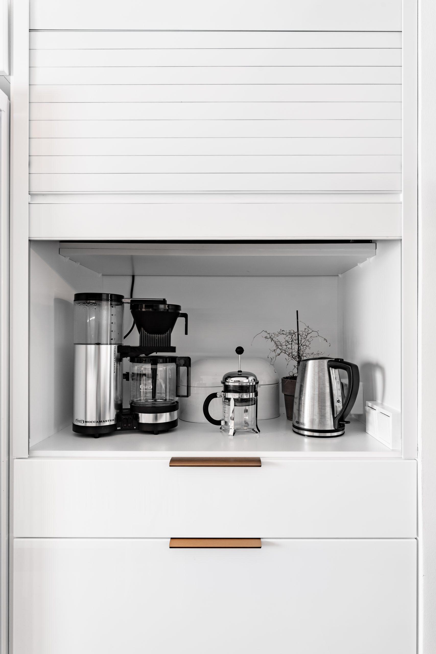 aamiaiskaappi - savonlinnan mitta-keittiöt