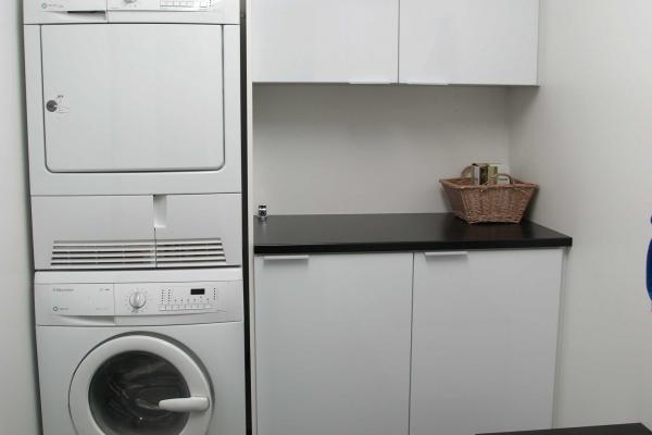kodinhoitohuoneen kalusteet - savonlinna mitta-keittiö